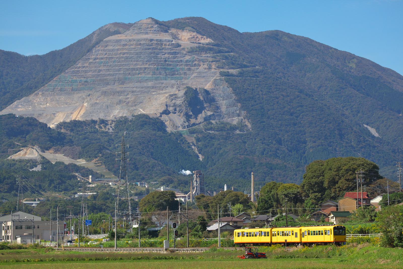 かつては近鉄北勢線だった ナローゲージの西桑名~阿下喜。 三岐鉄道になってからは初めての撮影でした。 背後の藤原だけは、三岐本線でも撮影出来ます。